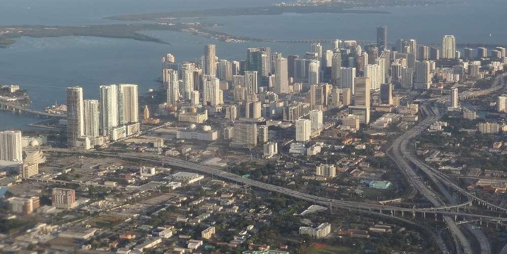 Майами с высоты птичьего полета. Фото — flickr.com/lauwenz